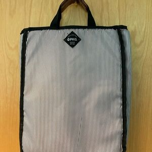 PKG soft body laptop or tablet Tote 3 compartments